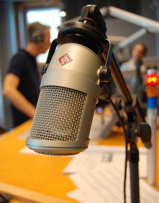 on-air-764507_1280